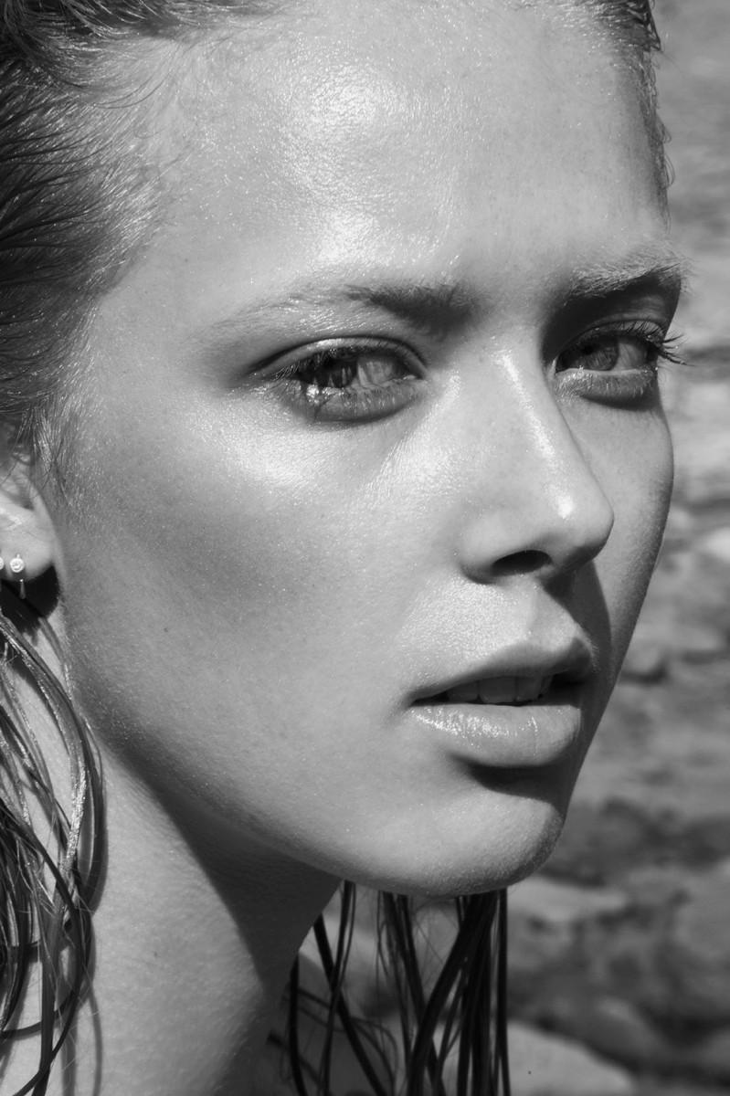 Ulrikke Høyer for Maybeline :: Beach Story